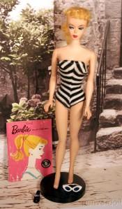 N01 #850 Barbie Doll.