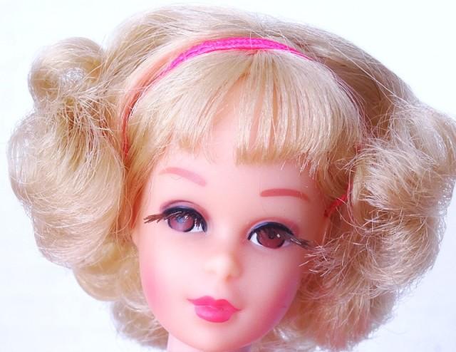 Blonde Flip Twist N Turn Francie