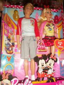 2011 Ken an Barbie.