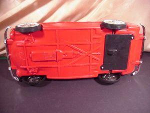 Bottum red car