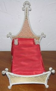 1965  BARBIE REGAL BED  BY SUSY GOOSE side