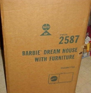1978 BARBIE DREAM HOUSE w Furniture A-Frame Orange Yellow Version shipping box