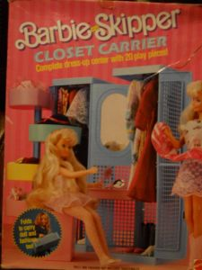 1987 Barbie & Skipper Closet Carrier