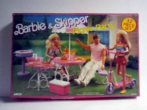1989 Barbie & Skipper Picnic Party 32 Piece Set