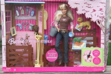 2001 Barbie Dream Stable Complete with Posable Barbie doll