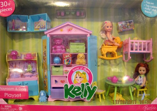 2006 KELLY PLAYROOM & DOLLS 30+ Piece Playset w 2 DOLLS, Cabinet, Tea Set, Table & MUCH More!