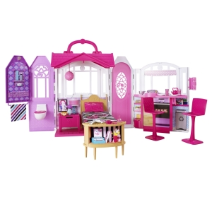 2015 BARBIE® Glam Getaway® House f