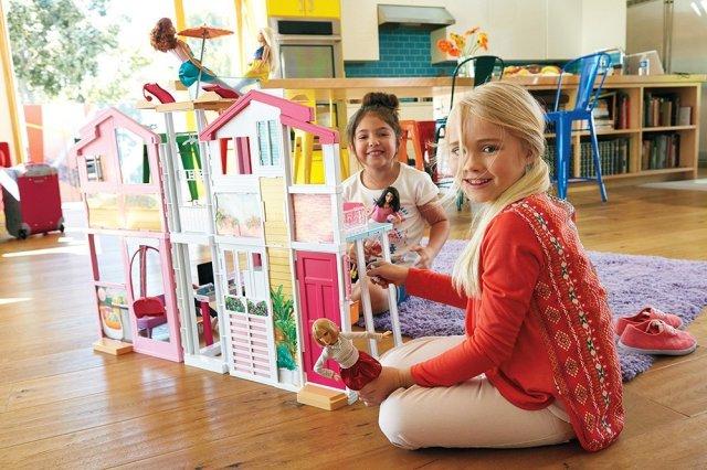 2016 Barbie Malibu Townhouse- poster