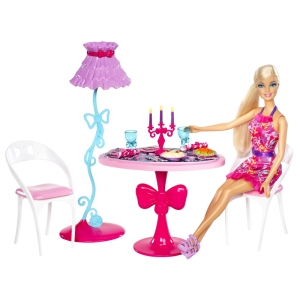 BARBIE® Glam Dining Room! fl