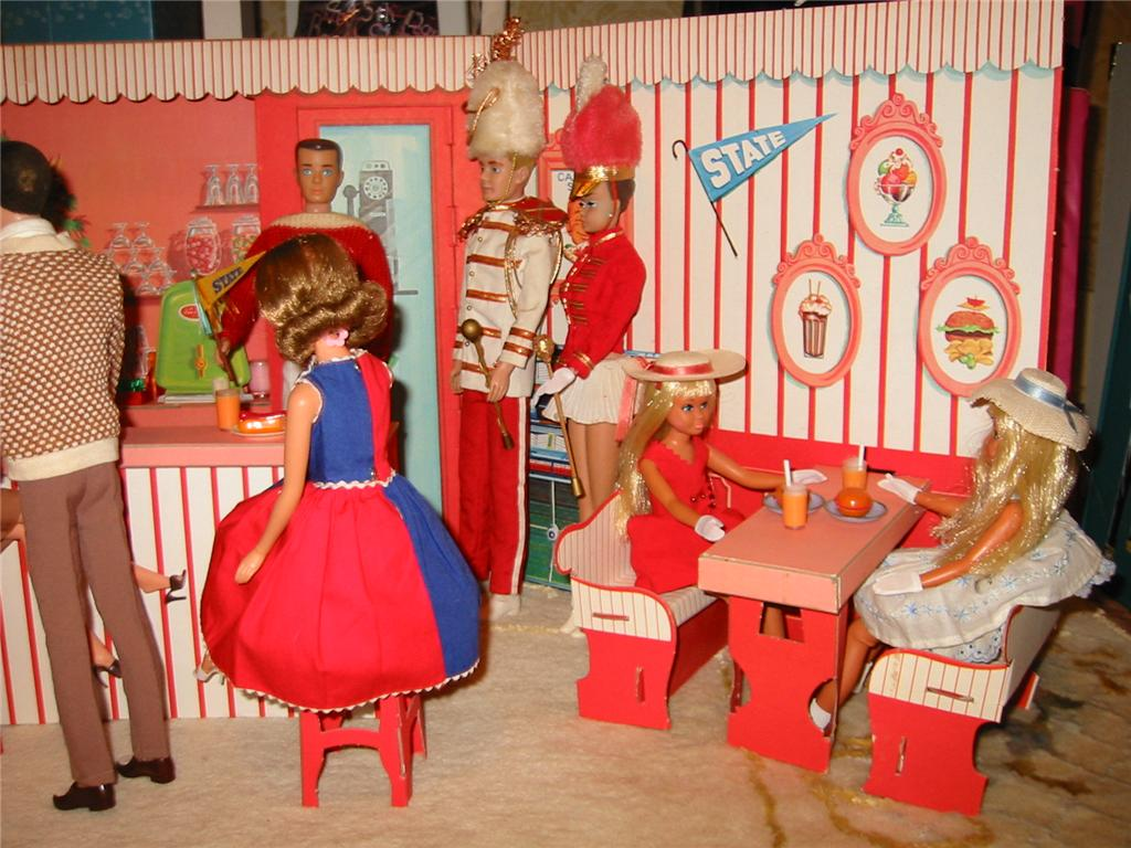 1962 2013 Barbie Family And Friends Houses Furniture
