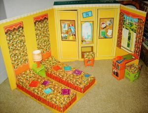 Barbie~GoesToCollege~Bedroom variation