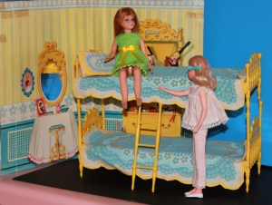 Set with dolls