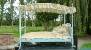 Milady Furniture - Canopy bed