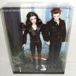 2013 BARBIE The Twilight Saga Breaking Dawn Part 2 EDWARD & BELLA GIFT SET NRFB