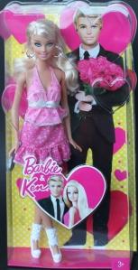 TRU-2013-Exclusive-Valentine-Barbie