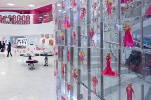 Oktober 8, 2012 Barbie flagship store by Slade Architecture, Shanghai