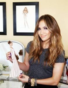 Jennifer López with her doll