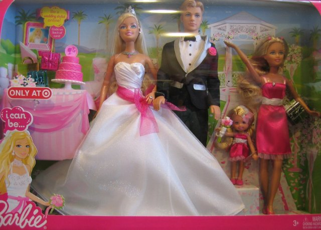 2009 Barbie I Can Be Wedding Gift Set w Barbie, Ken, Skipper & Kelly Dolls is a 2009 Target Exclusive