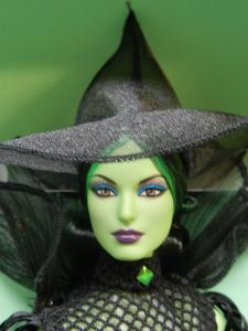 2014 WIZARD OF OZ FANTASY WICKED WITCH BARBIE faCE