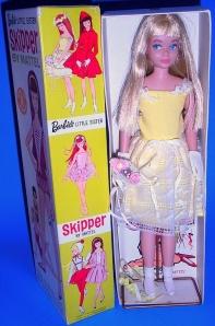 950-Dressbox-Blonde-FlowerGirl NRFB
