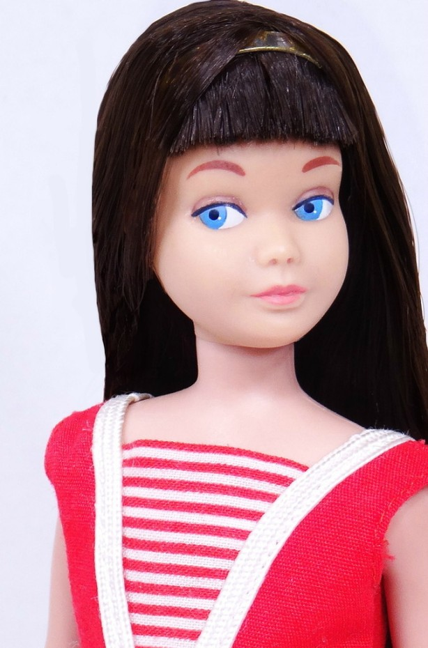 Black Hair Straight Leg Skipper Doll Mint