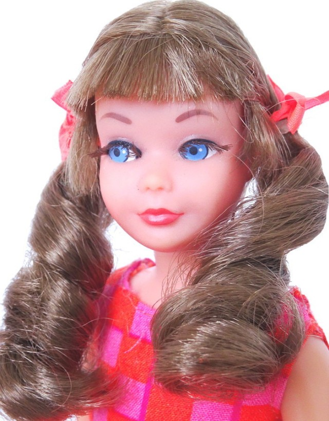 Brunette Hair Sausage Curl Twist N Turn TnT Skipper Doll