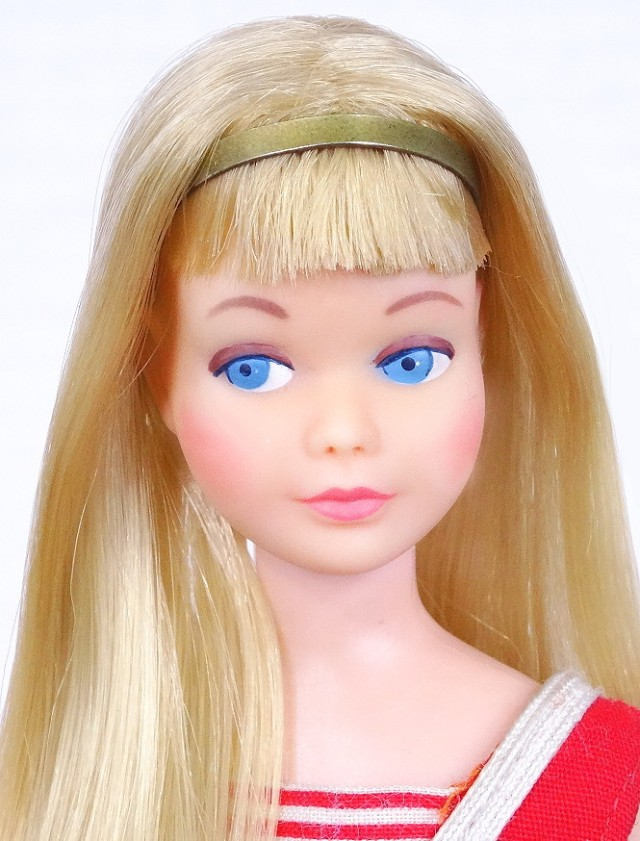 Second Issue Pink Skin straight leg skipper doll face