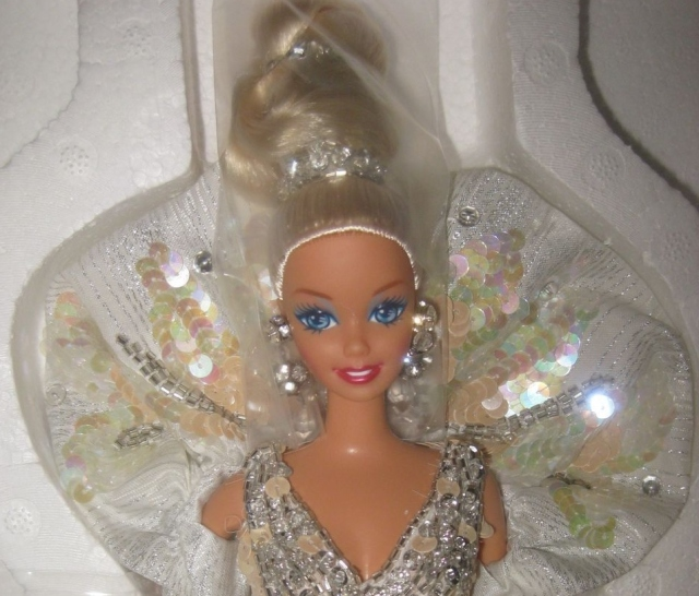 1991 Bob Mackie Platinum Barbie® Doll face