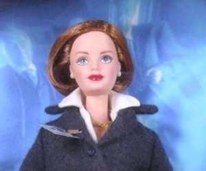 1998 The X-Files Barbie and Ken gift set face