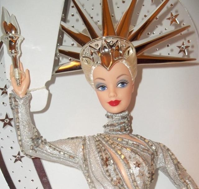2000 Bob MackieLady Liberty™Barbie® Doll face