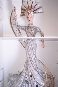 2000 Bob MackieLady Liberty™Barbie® Doll inside