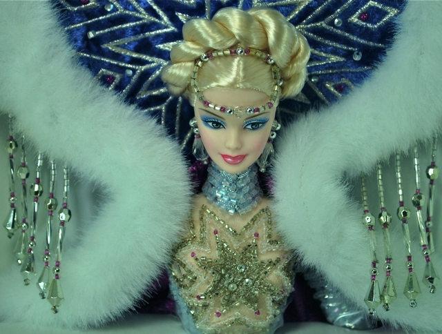 2001 Fantasy Goddess of the Arctic™ Barbie® Doll face