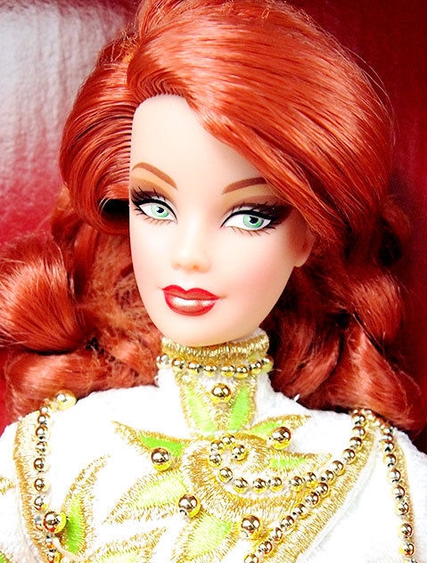 2002Radiant Redhead™ Barbie® Doll face