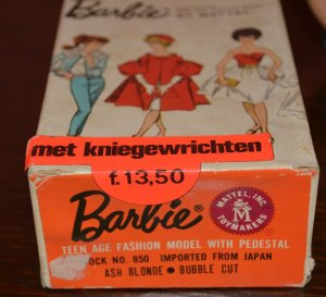 Bubble Cut met bendable legs - Found in a shop in the Netherlands.3 (2 website)