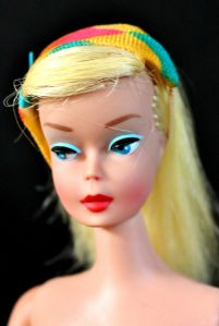 This is a Prototype, Mattel did not make these Barbies with Legs. front