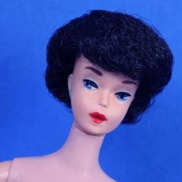#850 Barbie Brunette 1st Issue Bubble Cut - mint