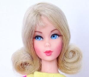 ash-blonde-flip-twist-n-turn