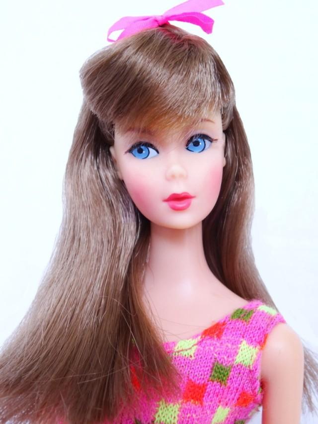Brunette TWT face