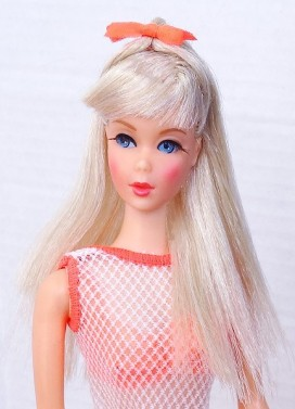 platinum-blonde-twist-n-turn-barbie-doll-mint