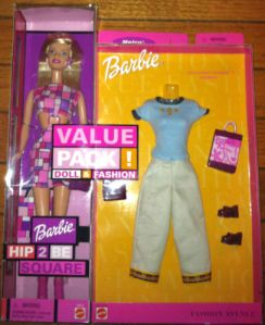 2000 Square Barbie doll  pi g