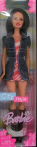 2005 City Style Barbie Doll 3