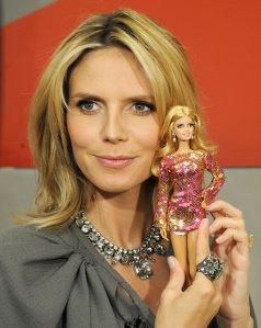 2009 Heidi Klum, Barbie Doll. f