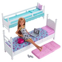 Barbie Sisters Stacie Doll with Bunk Beds Giftset1