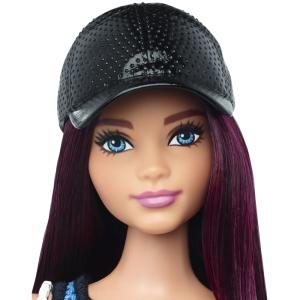 Barbie® Fashionistas™ 38 So Sporty Doll & Fashions - Curvy face