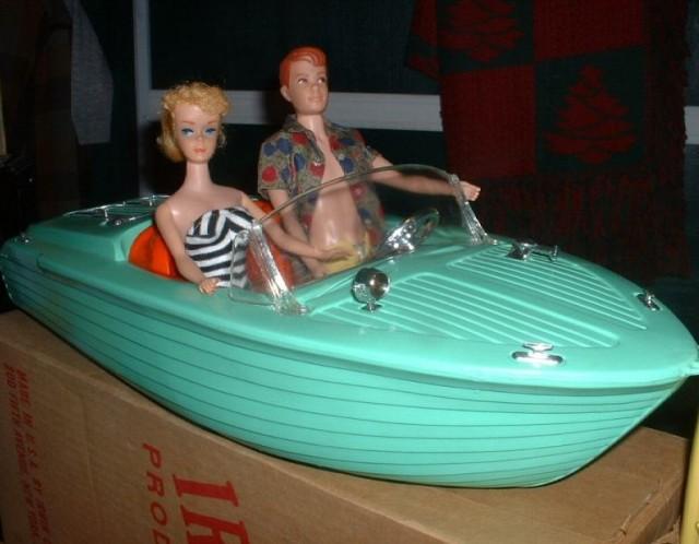 1964 Green Irwin Suzy Goose Boat & Box