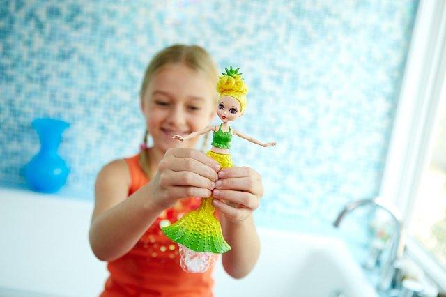 barbie-dreamtopia-bubbles-n-fun-mermaid-yellow-doll-poster